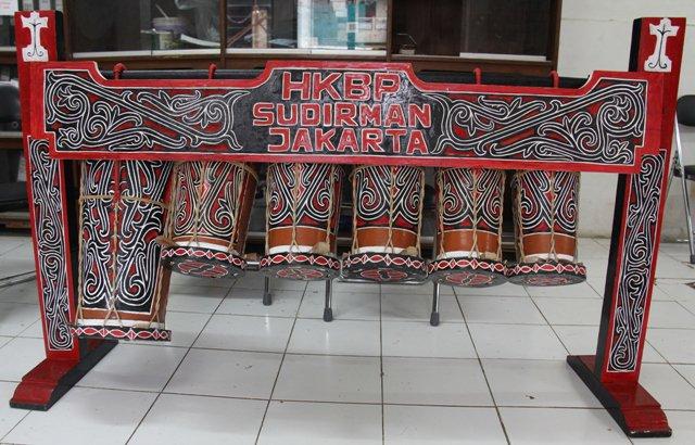 garattung ) adalah salah satu alatmusik Batak Toba , Sumatera Utara