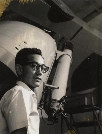 Bambang Hidayat dan teleskop Schmidt Bimasakti di awal tahun 1970an
