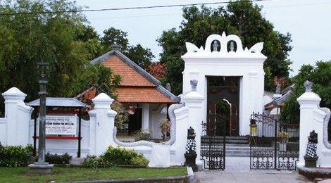 Berkas:-Special-Places-in-Bali-Puri-Agung-Buleleng-The-Royal ...