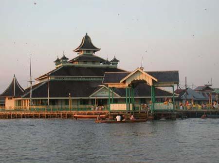 Masjid Jami Pontianak - Wikipedia bahasa Indonesia ...