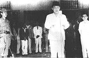 Soekarno membaca naskah Proklamasi yang sudah diketik Sajuti Melik dan telah ditandatangani Soekarno-Hatta