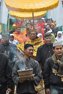 sebelaspadjajaran: Panjalu adalah sebuah kerajaan bercorak Hindu yang terletak di ketinggian 731 ...