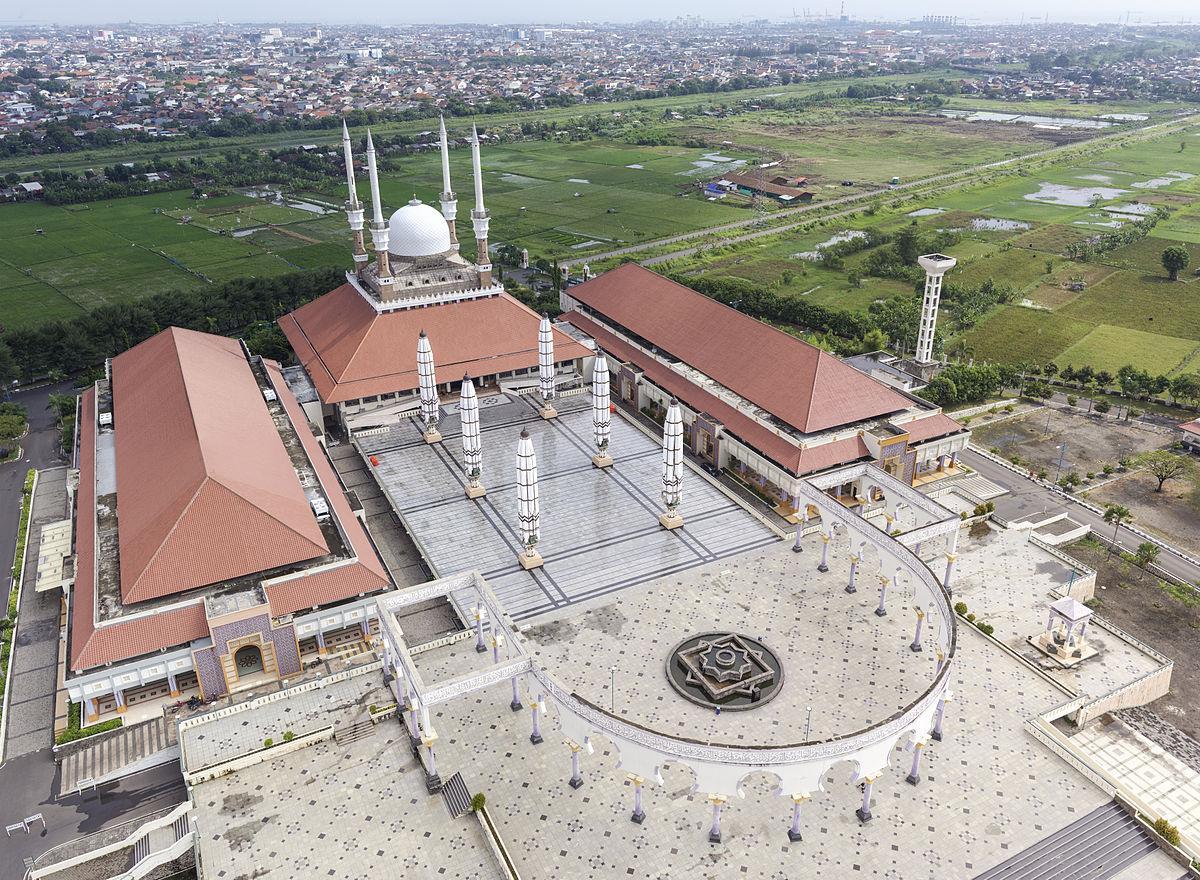 Hasil gambar untuk Wisata Semarang Masjid Agung Jawa Tengah
