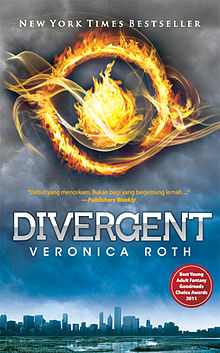 https://upload.wikimedia.org/wikipedia/id/thumb/f/f4/Divergent_(book)_by_Veronica_Roth_US_Hardcover_2011.jpg/220px-Divergent_(book)_by_Veronica_Roth_US_Hardcover_2011.jpg