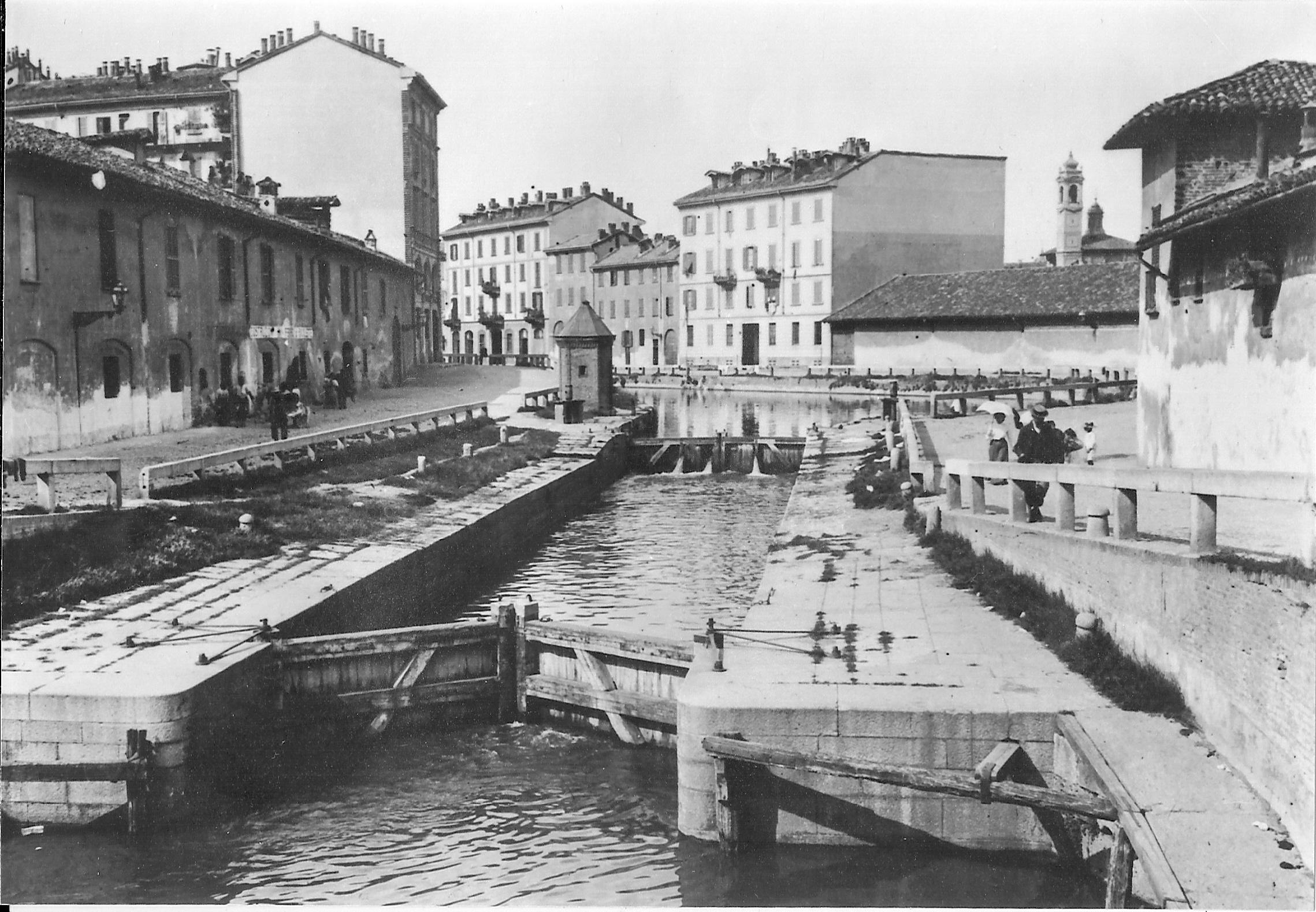 Monza Via Delle Industrie Ville Nuove
