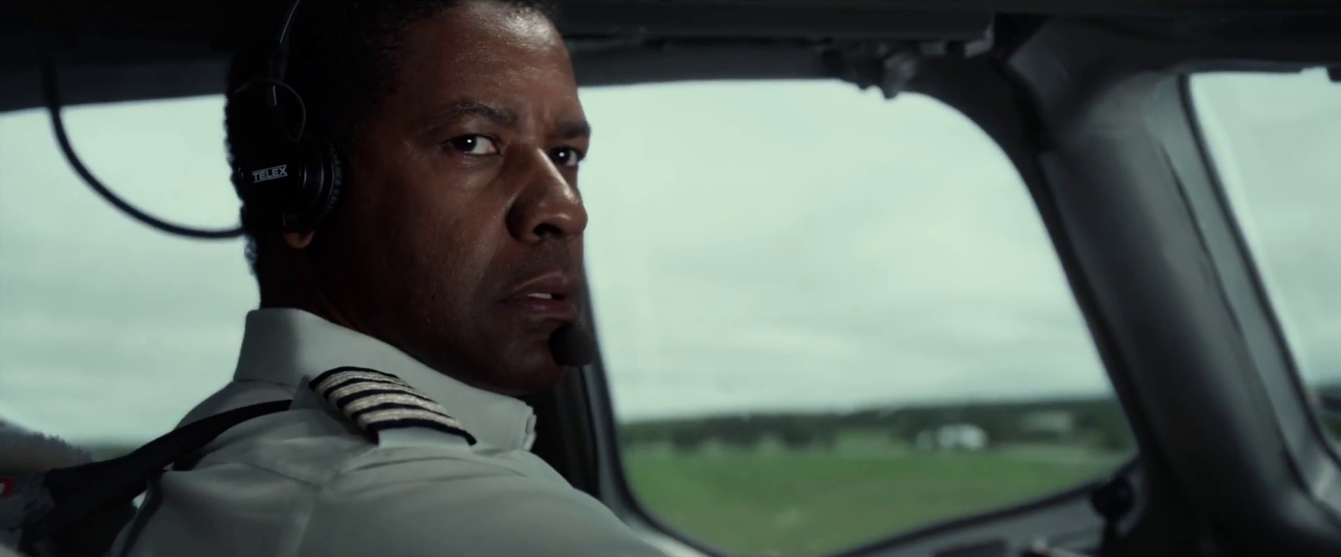 Flight - Denzel Washington.png