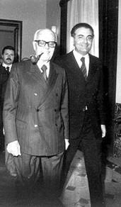 Piersanti Mattarella (a destra) in compagnia del presidente della Repubblica Sandro Pertini