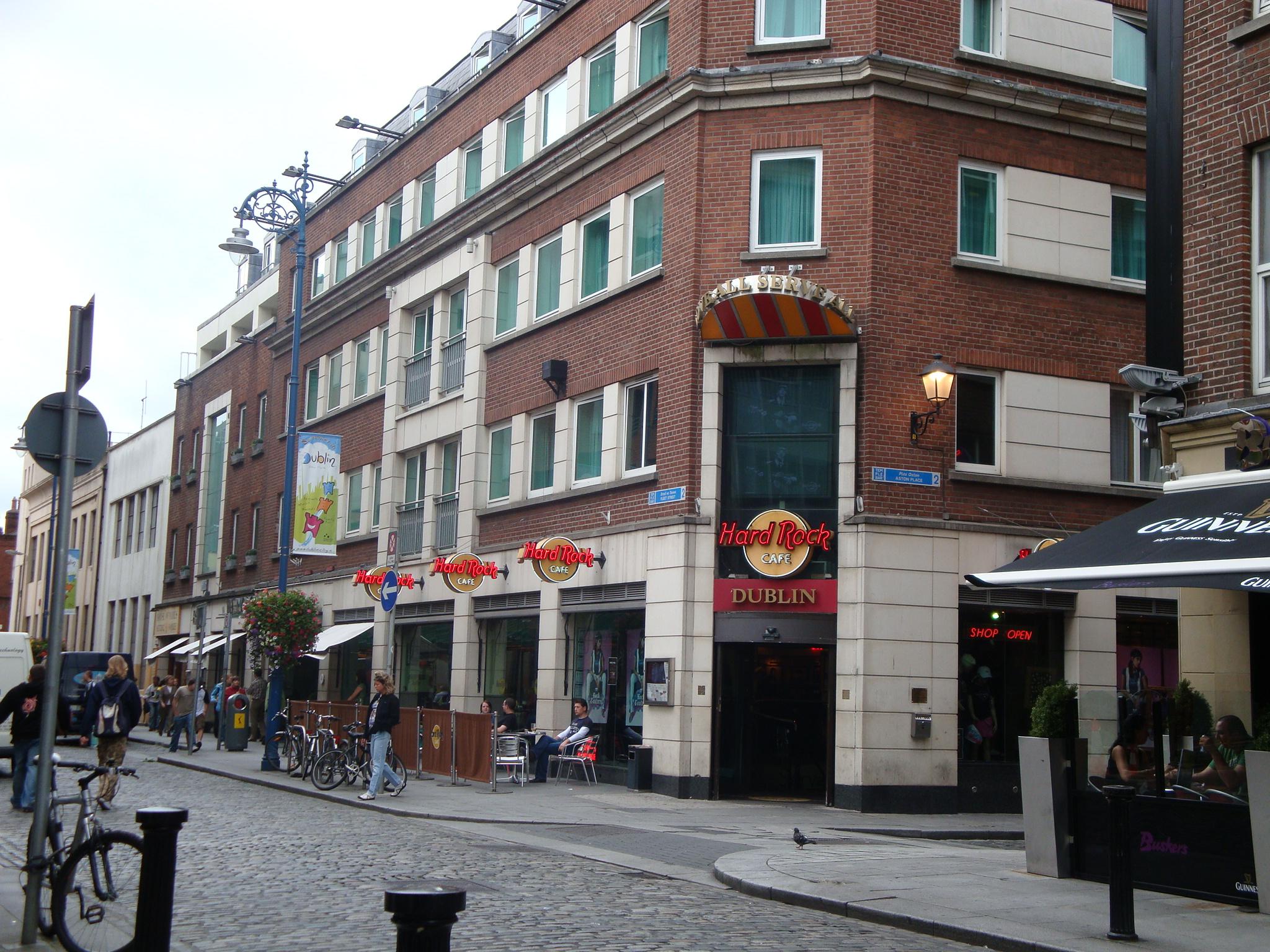 real madrid shop barcelona