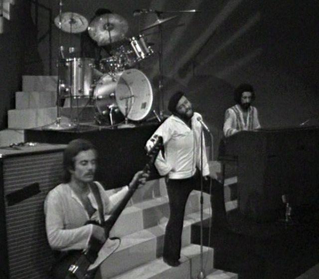 File:Lucio Dalla e gli Idoli (1972).jpg