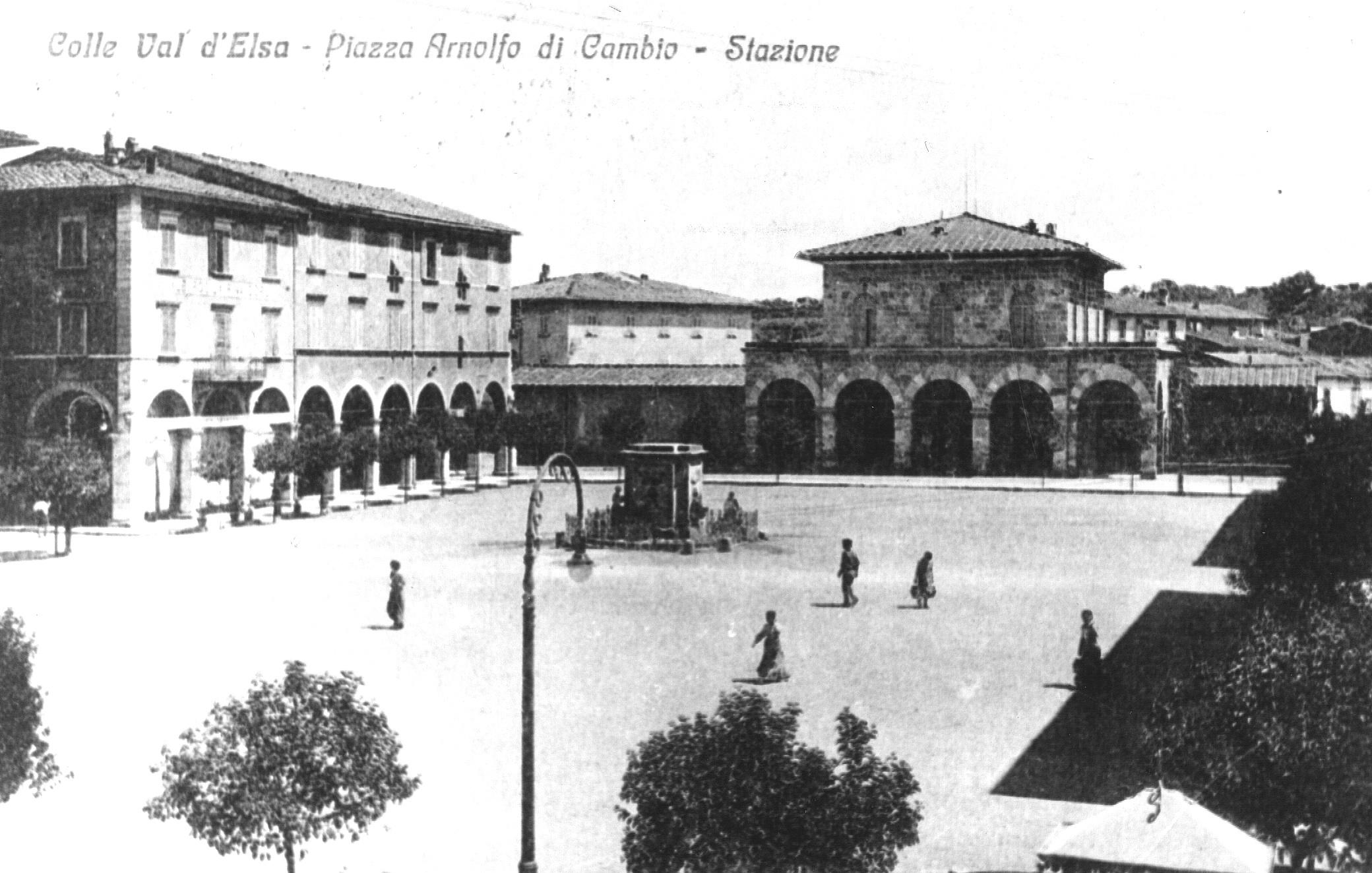File piazza arnolfo con fontana jpg wikipedia for Cambio destinazione d uso sblocca italia