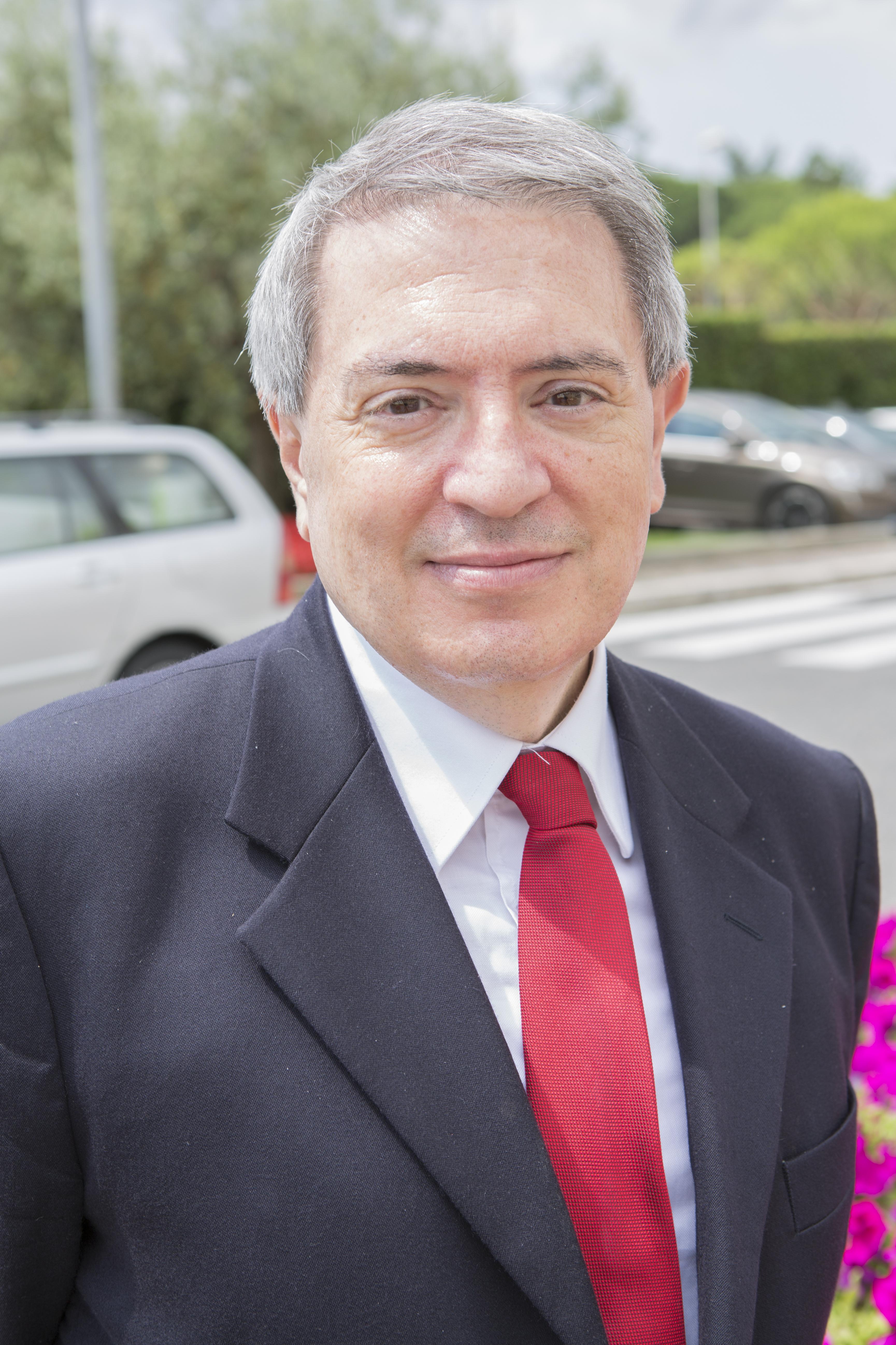 https://upload.wikimedia.org/wikipedia/it/3/3e/Pierluigi_Guiducci.jpg