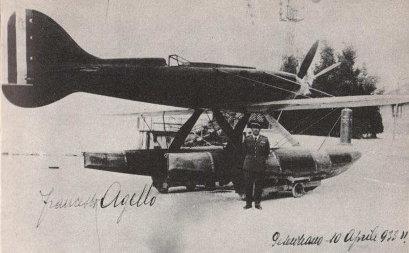 Aéroport de Turin : Francesco Agello devant son avion Macchi M.C.72.
