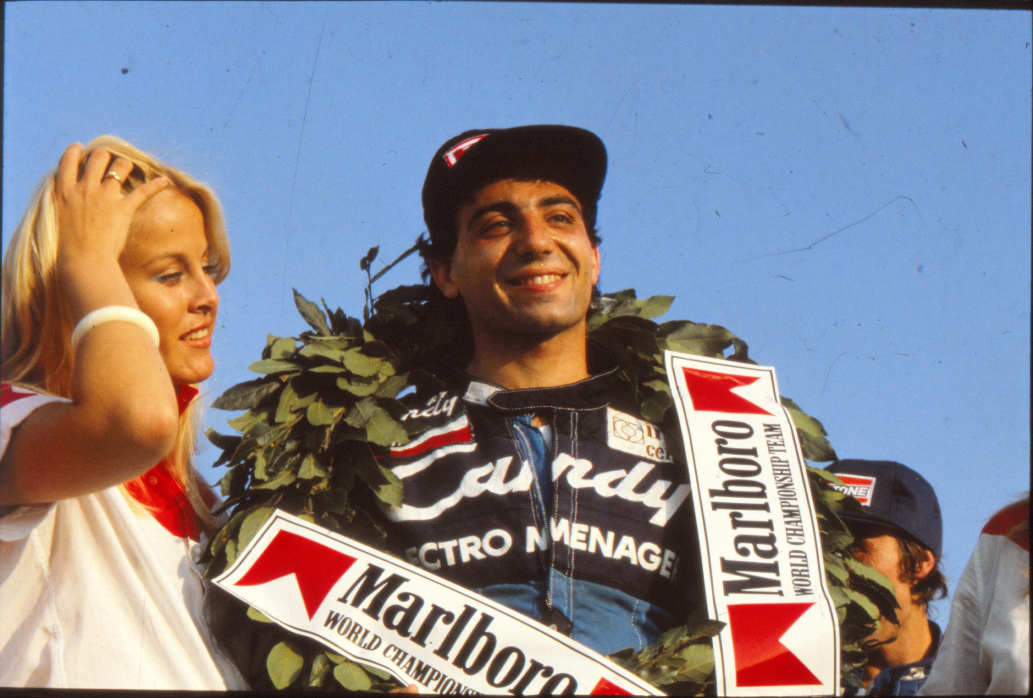 Michele Alboreto fotografato al termine della gara di Formula 2, tenutasi a Misano nel 1981.