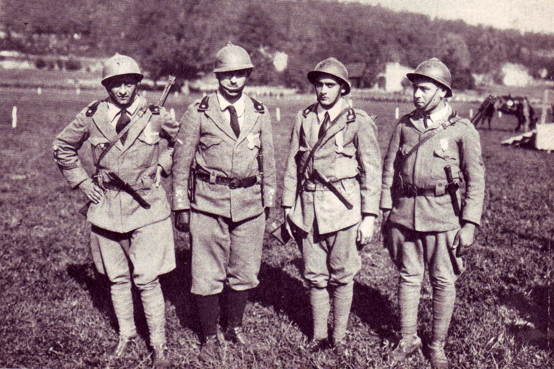 File gruppo di arditi appena decorati dopo un 39 azione sul for Decorati 2 guerra mondiale