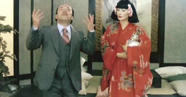 Lino Banfi ed Edwige Fenech in un fotogramma del 1º episodio. 402a6a999e16