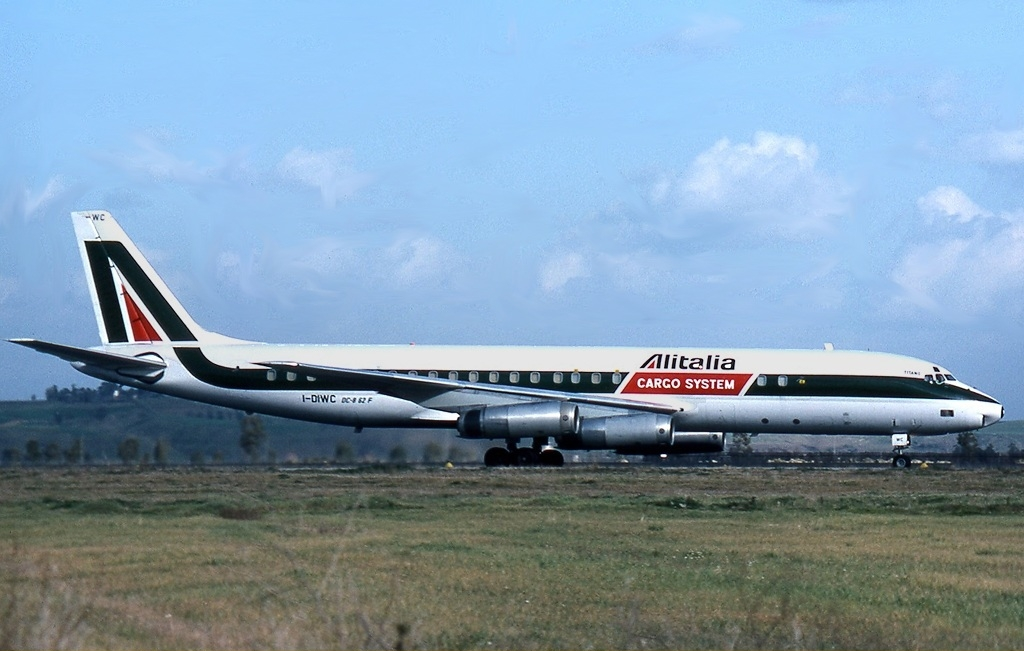 Cargo airlines alitalia cargo on pinterest airports for B b italia carugo