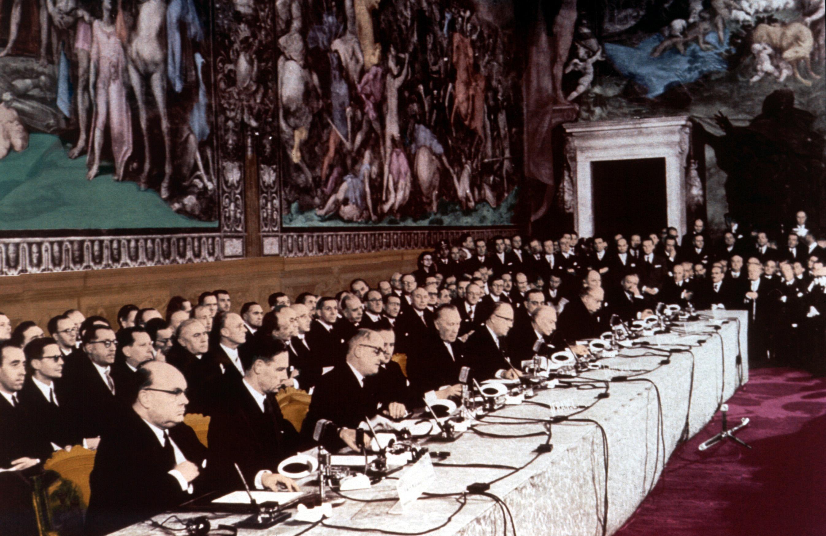 Firma dei trattati di Roma (1957).jpg