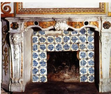 File:Marca Corona maioliche Palazzo ducale Sassuolo.jpg - Wikipedia