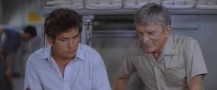 Martin Sheen e Kirk Douglas in una scena del film