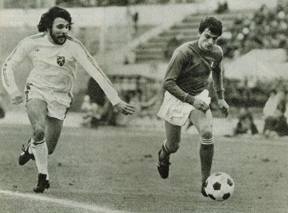 Red or Dead... Italia_vs_Belgio_-_Roma_-_1977_-_Eric_Gerets_e_Marco_Tardelli