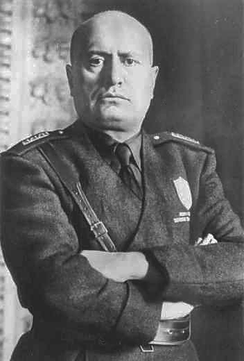 http://upload.wikimedia.org/wikipedia/it/8/8a/Mussolini_mezzobusto.jpg