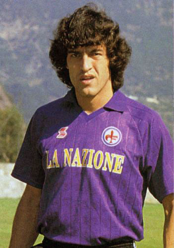Oscar_Dertycia%2C_Fiorentina_1989-90.jpg