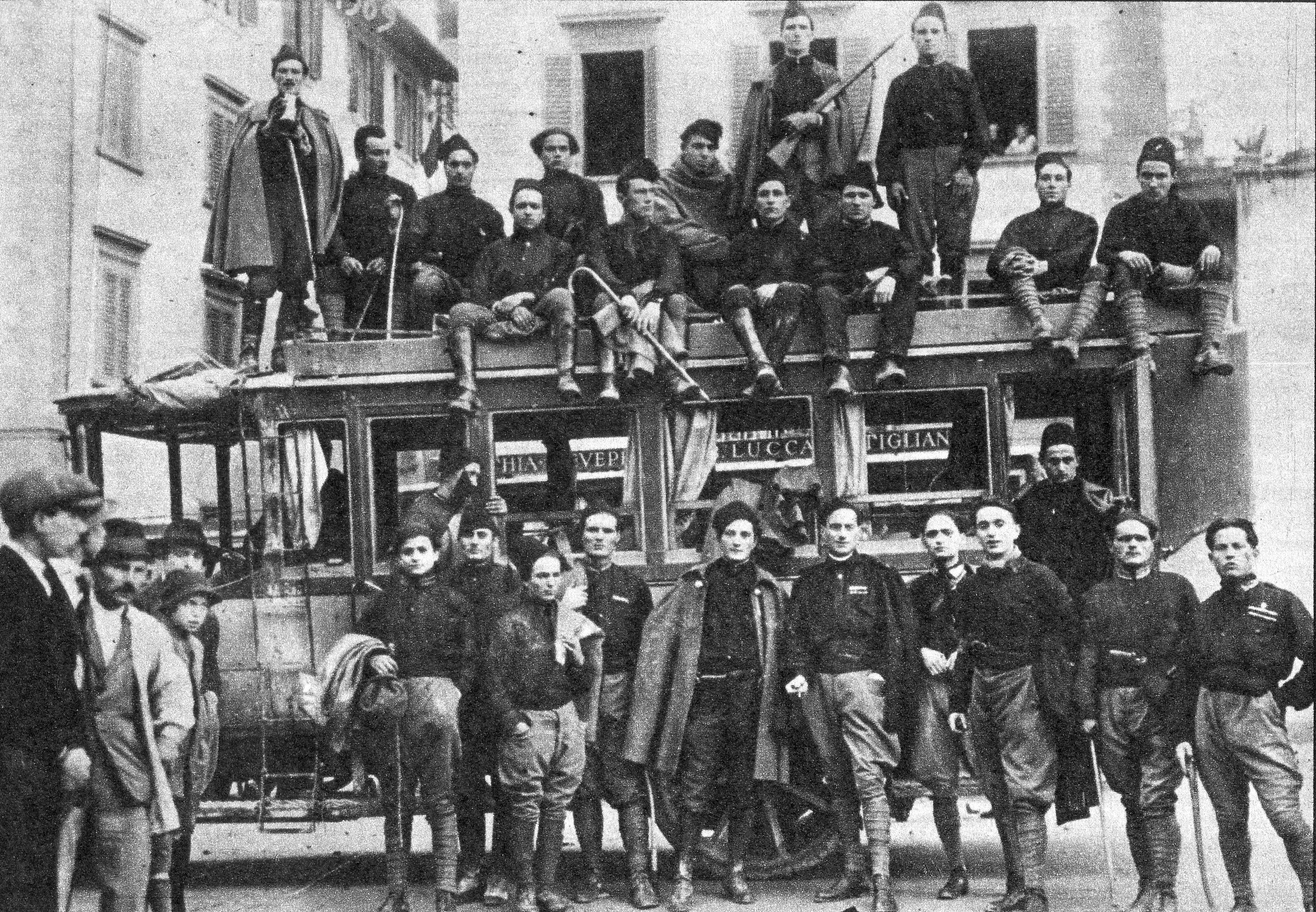 File 1922 Squadra D Azione Di Lucca Jpg Wikipedia