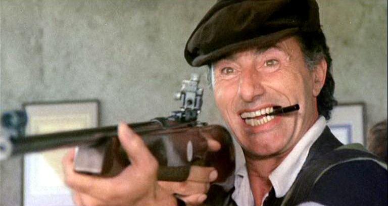 Raf Baldassarre nel film La moglie in bianco... l'amante al pepe (1980)
