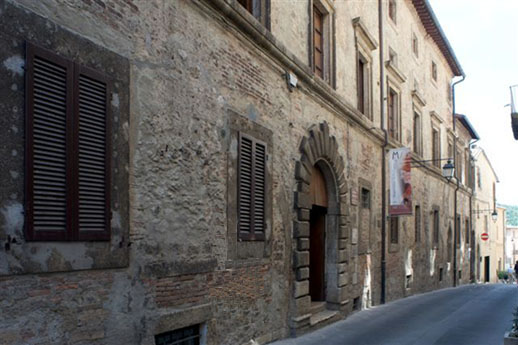 Museo civico archeologico, ingresso nel palazzo Gabrielli, Sarteano