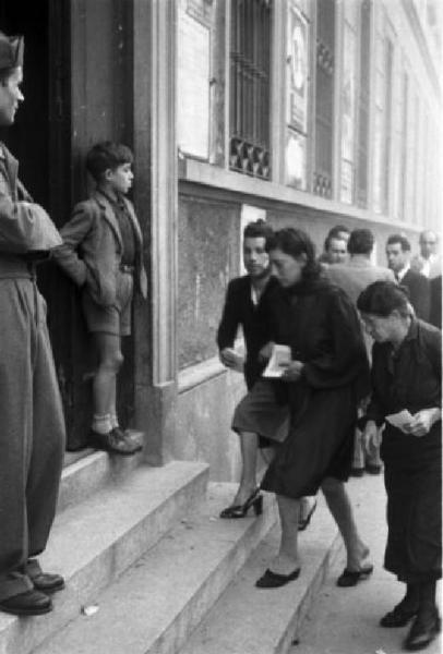 nel 1946 le donne votano in Italia per la prima volta
