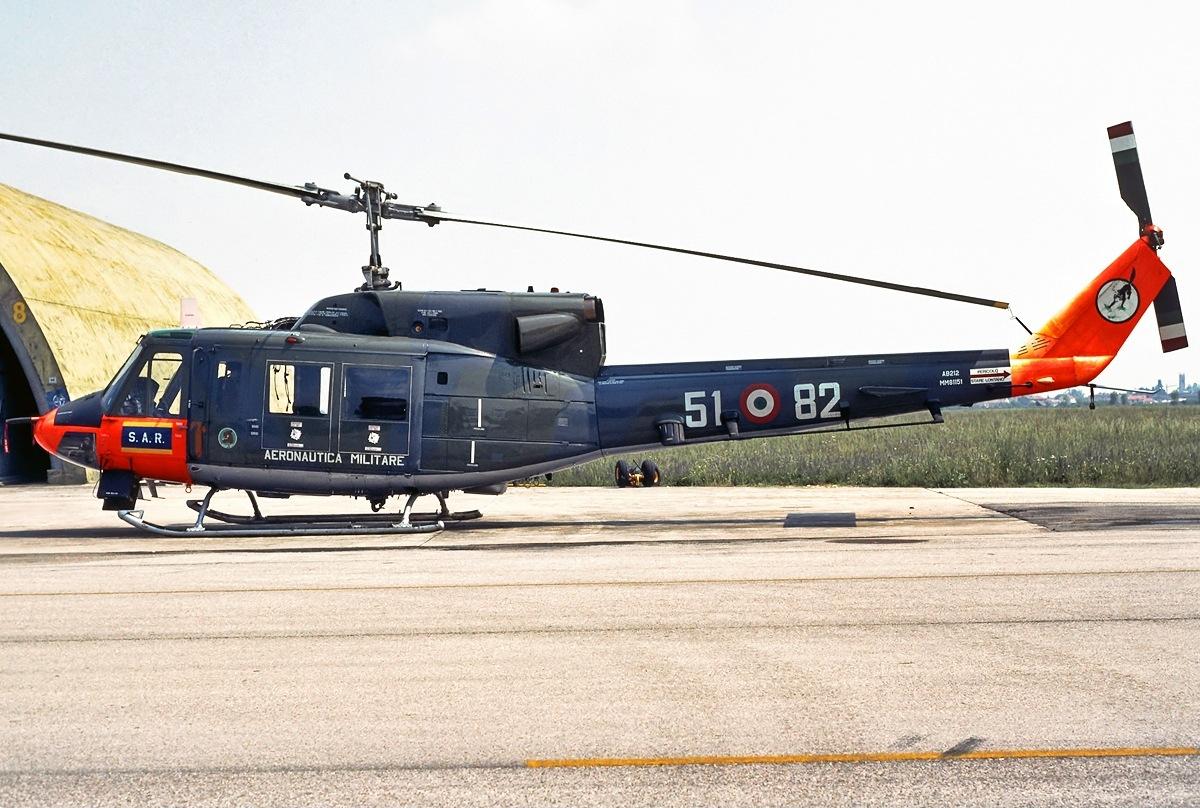 Elicottero Ab 212 : File agusta bell ab mm aeronautica militare g