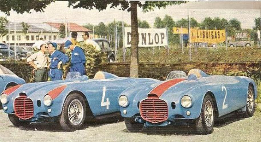 https://upload.wikimedia.org/wikipedia/it/a/aa/Lancia_D23.jpg