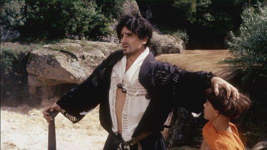 Nella foto: Vittorio Gassman (Brancaleone) e Gianluigi Crescenzi (Taccone)