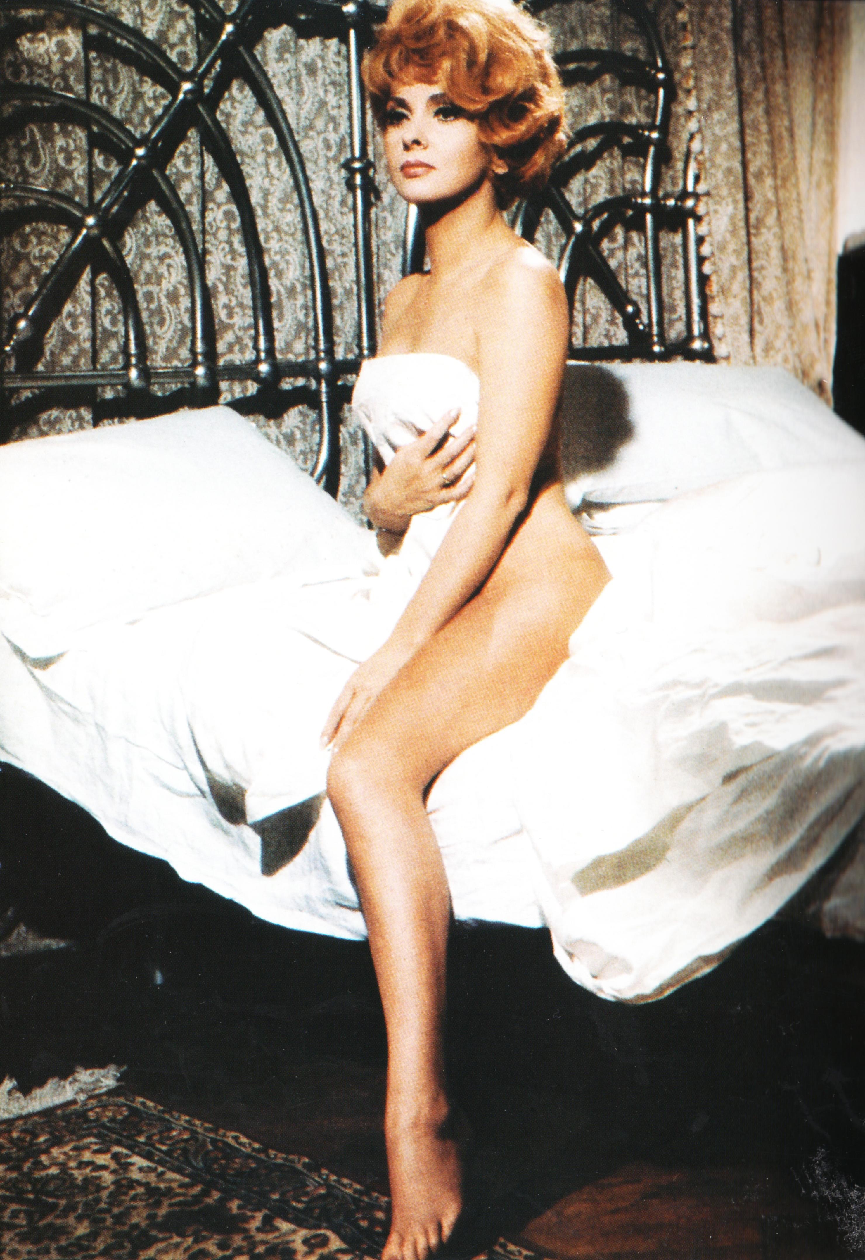 beautiful female naked butts