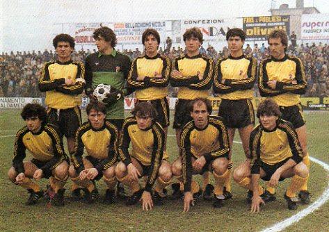 Associazione Sportiva Bari 1981-1982.jpg