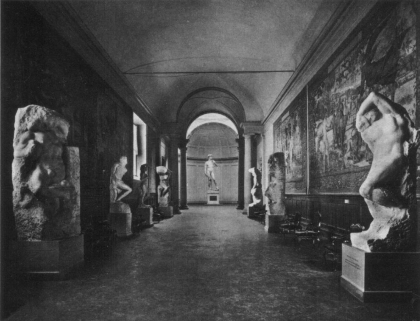 Galleria dell'accademia, galleria degli arazzi negli anni sessanta.jpg