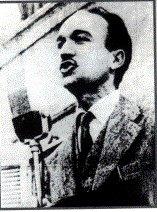 Giorgio Almirante in un comizio negli anni '50