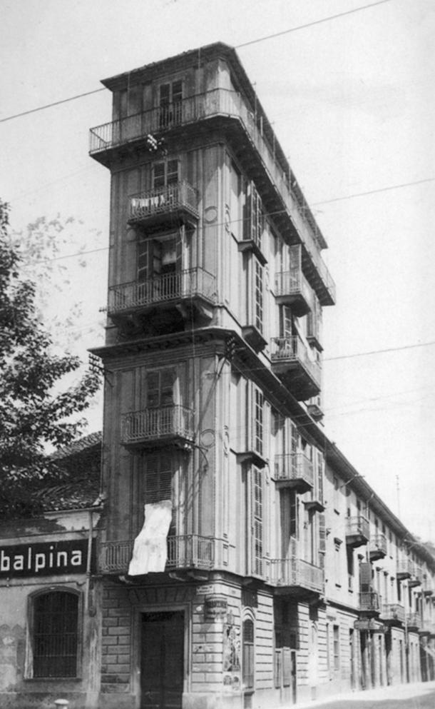 Casa scaccabarozzi wikipedia - La casa della lampadina torino ...