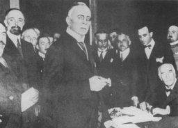 Firma del Trattato di Rapallo (1920).jpg