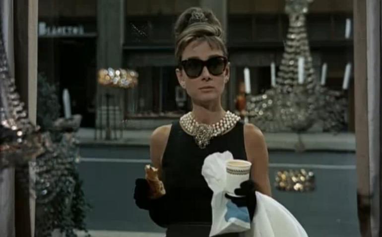 Vestiti Da Sera Wikipedia.Tubino Nero Givenchy Di Audrey Hepburn Wikipedia
