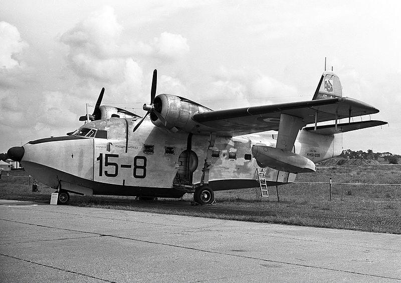 File:Grumman HU-16A Albatross Aeronautica Militare.jpg