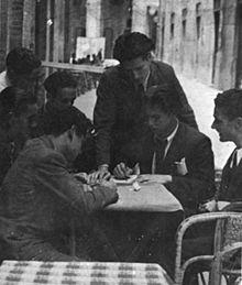 Salvatore Fiume, studente ad Urbino, con i suoi compagni