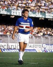 Mancini in azione alla Sampdoria nel corso degli anni ottanta