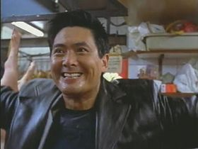 Chow Yun-Fat in una scena del film