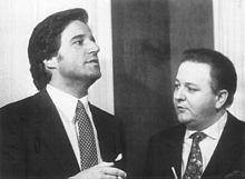 Christian De Sica e Massimo Boldi, artefici di un lungo sodalizio artistico che ha fatto la fortuna della serie cinepanettoniana, qui nel 1985 sul set di Yuppies - I giovani di successo.