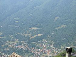 Panoramica dell'abitato di Novelle visto da Cevo