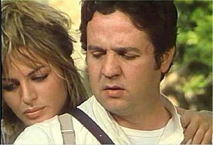 Dalila Di Lazzaro con Renato Pozzetto, durante le riprese di Oh, Serafina!, regia di Alberto Lattuada (1976).