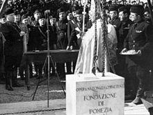 Posa della prima pietra alla presenza di Mussolini, 25 aprile 1938