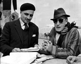 Monicelli con Totò durante una pausa sul set de I soliti ignoti (1958)
