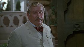 Hercule Poirot (interpretato da Peter Ustinov in Delitto sotto il sole)